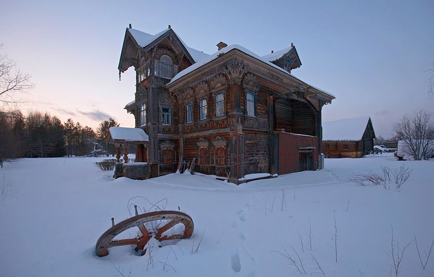 50 breathtaking photos of abandoned places from around the for Home architects near me